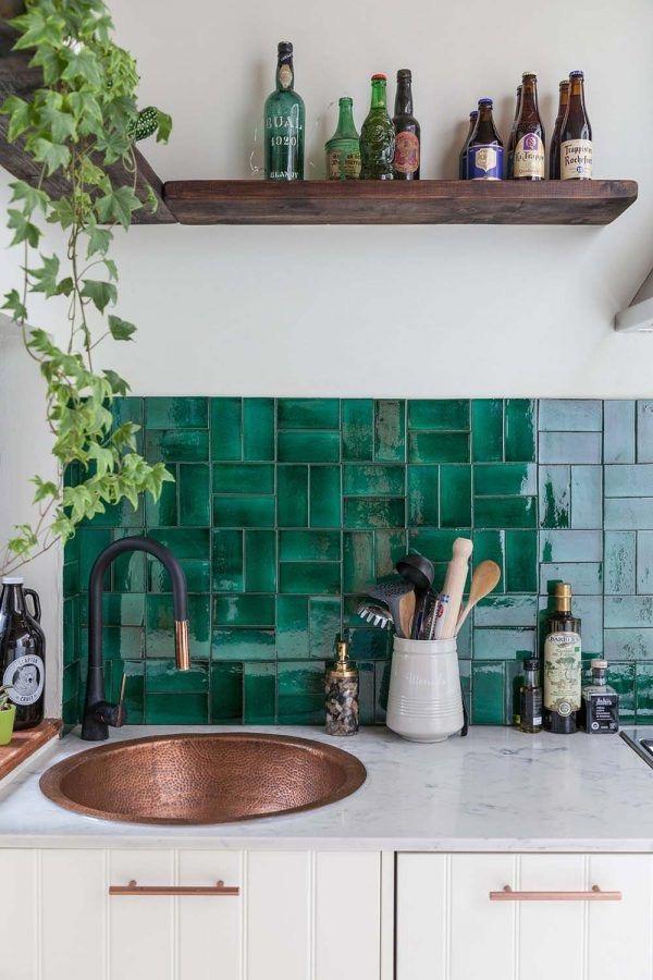 Кухонный фартук из керамической плитки зеленый