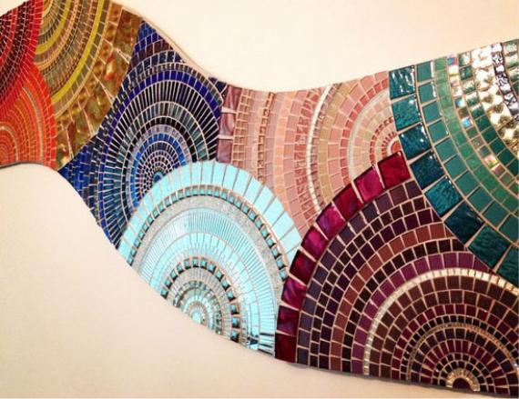 Панно из плитки мозаики разных цветов