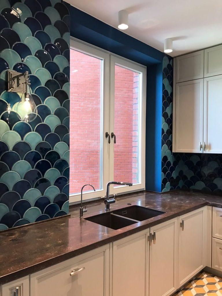 Отделка кухонных стен керамической плиткой