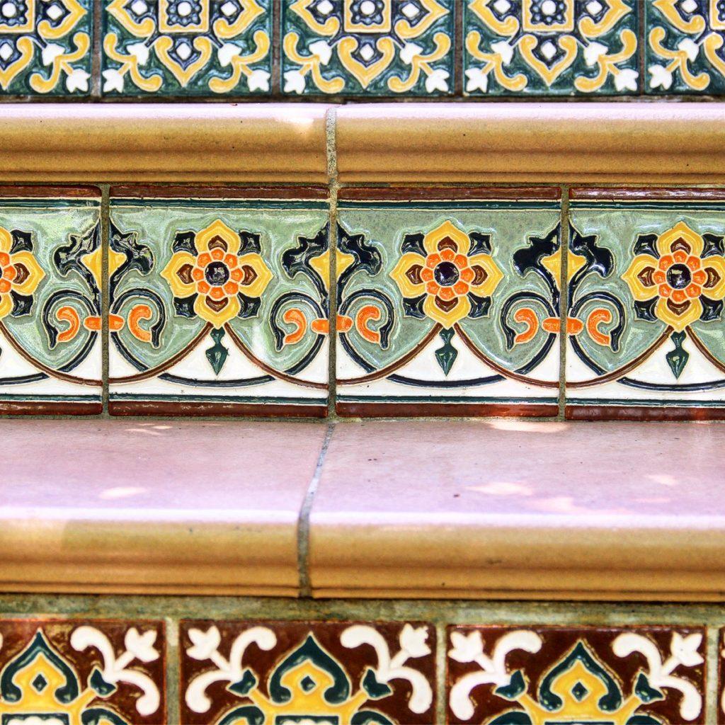 Рельефная плитка в технике батик