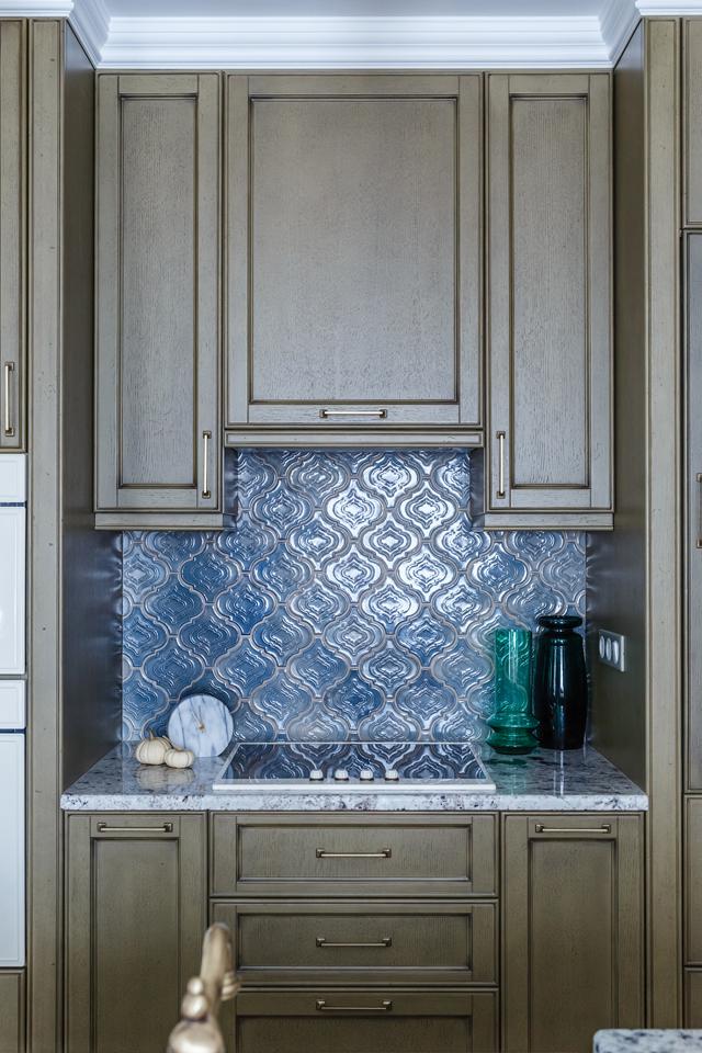 Голубая плитка ручной работы для кухонь