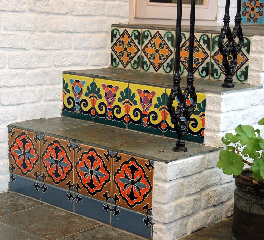 Декор лестницы керамической плиткой