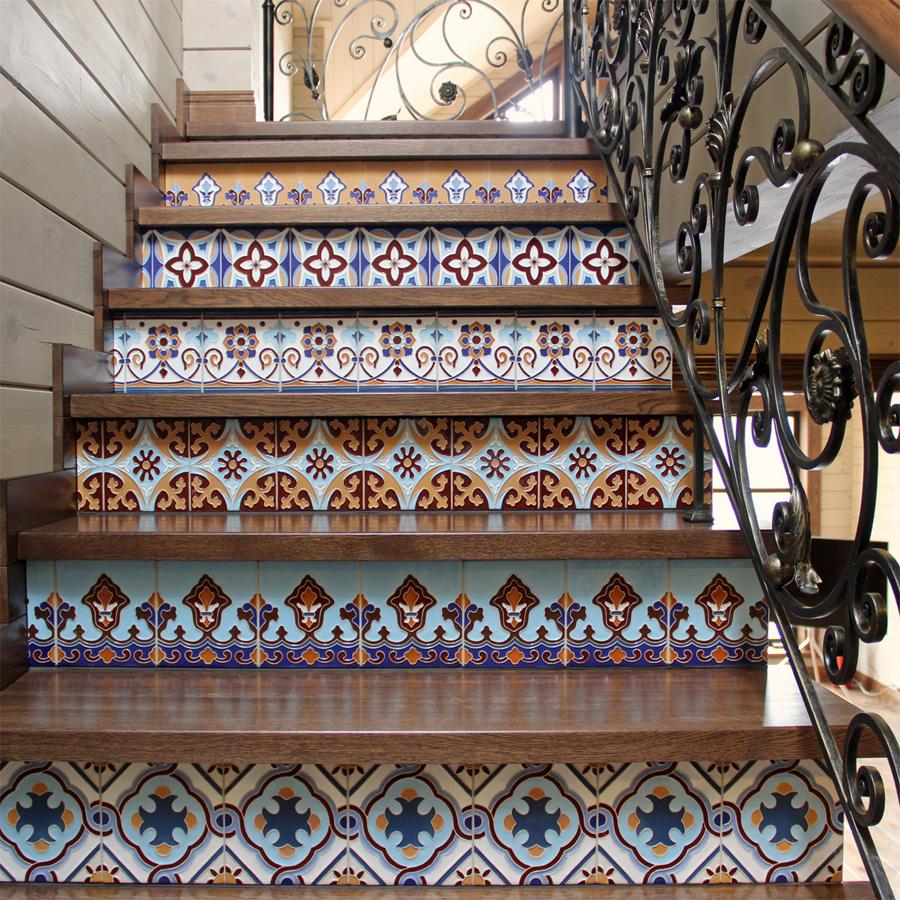 Рельефная плитка на ступенях