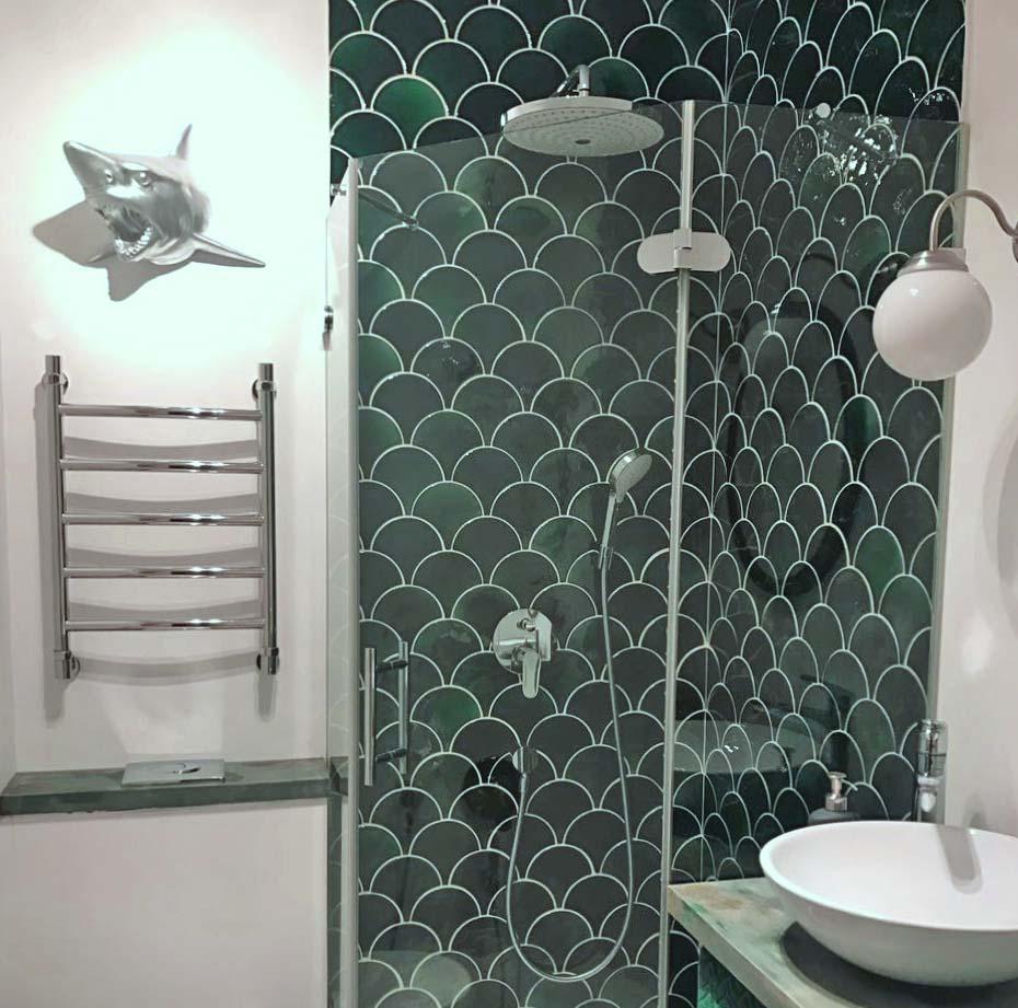 Фоновая плитка для ванной комнаты